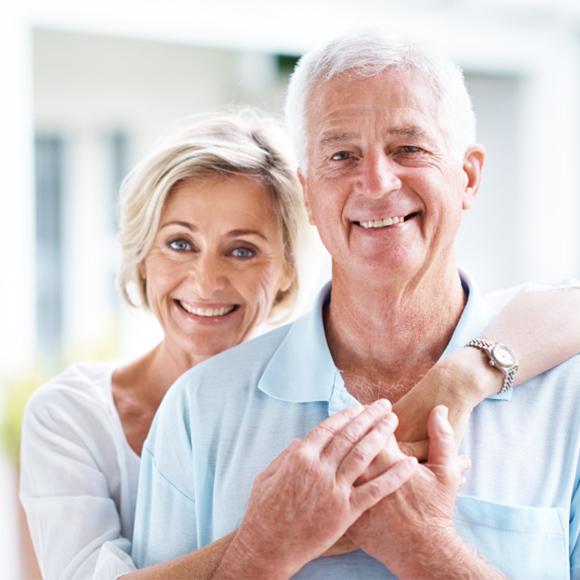 Implantes dentários não são única opção de tratamento bucal.
