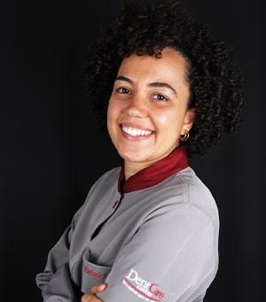 Dra. Raphaela Amaral